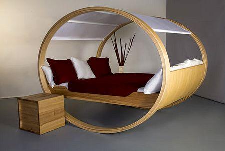 качающаяся кровать