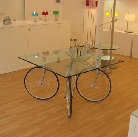 стол на вело колесах